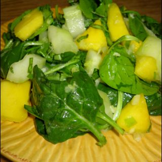 Spinach and Mango Salad