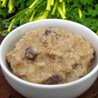 Cardamom-Raisin Rice Pudding